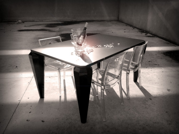 RECTANGULAR TABLE - DIAMOND