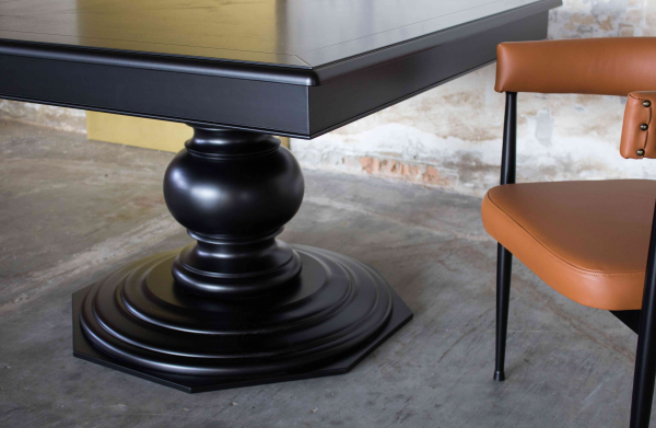 SQUARE TABLE WITH CENTRAL PEDESTAL