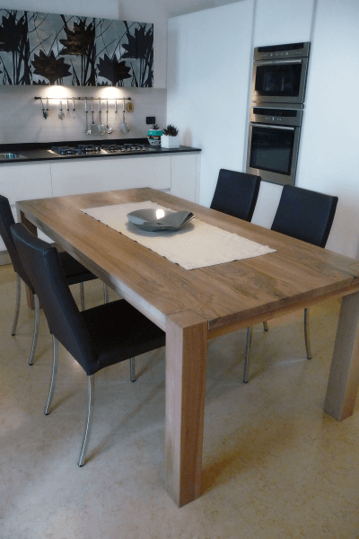 RECTANGULAR MODERN TABLE - WALNUT