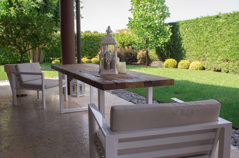 Tavoli in legno antico